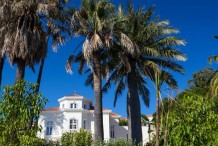 CAP D'ANTIBES WEST SIDE - LUXURY RENOVATED VILLA FOR SALE