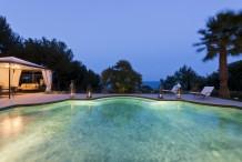 Magnifiqu villa rénovée avec très belle vue sur la mer