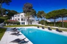 Villa en font mer au Cap d'Antibes
