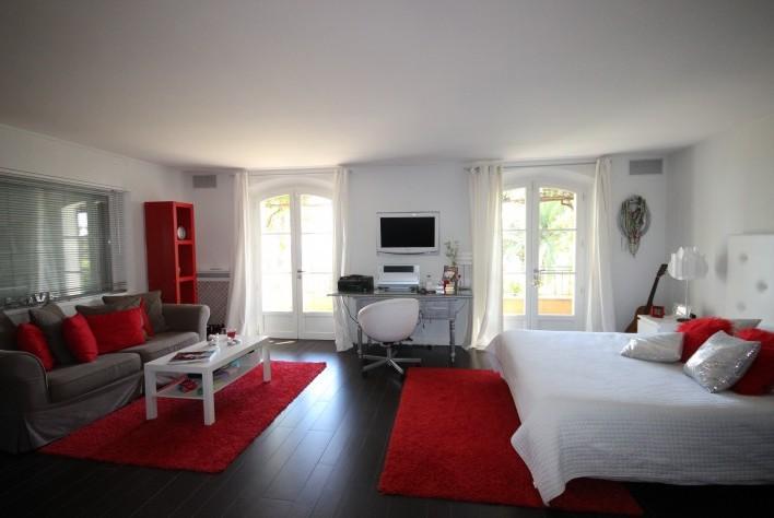 best photos de villa a l interieur photos amazing house design. Black Bedroom Furniture Sets. Home Design Ideas