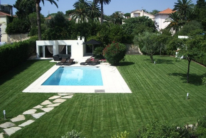 Vente maison cap d 39 antibes villa 180 m cap d for Decoration jardin villa