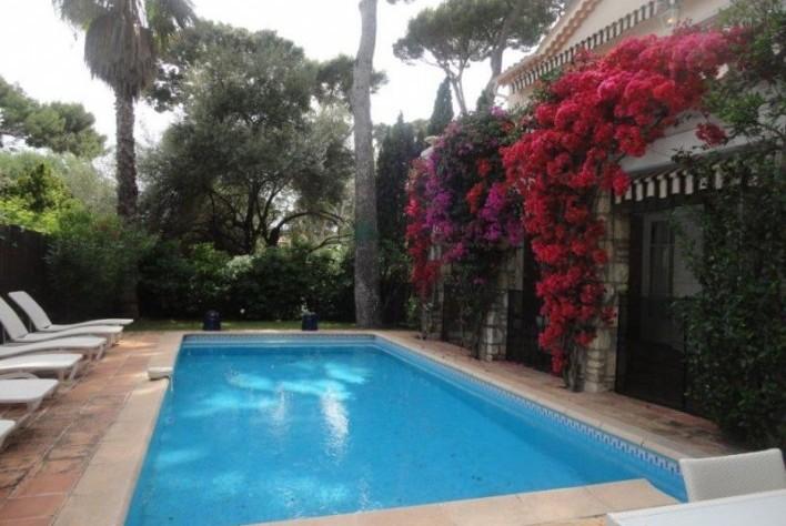 Location maison cap d 39 antibes villa 4 chambres for Piscine de antibes