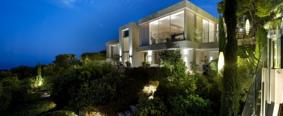 FOR RENT - ST JEAN CAP FERRAT - EXCEPTIONAL CONTEMPORAIN VILLA - 7 BEDROOMS