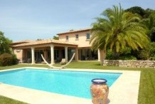 Nice villa with private pool, beautiful views over the hills and golf