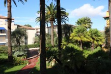 Appartement 4 pièces avec 2 terrasses dans une résidence avec piscine proche plages.