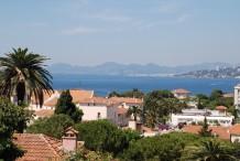 Très beau appartement avec 3 chambres, grfnde terrasse avec vue mer, piscine dans la résidence