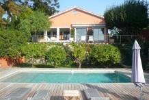 Villa avec une vue sur la mer et piscine privée