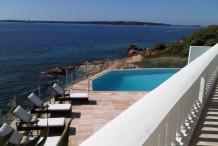 Cannes villa pied dans l'eau