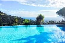 Belle villa avec une vue sublime sur la mer, les iles de Lerins et Cannes