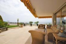 Villa sur le toit en duplex avec 5 chambres et magnifique vue sur la mer