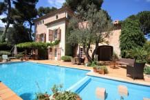 Belle villa provençale, vue mer, 6 chambres, proche plage de la Garoupe