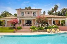 Jolie maison avec grande piscine, proche Eden Roc