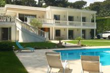 Villa 300 m² avec 6 chambres, jardin 1500 m² et piscine