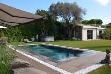 Villa moderne avec 5 chambres et piscine chauffée, proche plage de sable