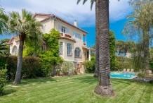 Villa avec piscine, 6 chambres, proche plage de la Garoupe