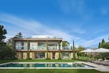 Villa contemporaine avec vue mer, grande piscine et jardin plat de 1800 m