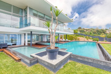 Contemporary 6 bedroom vill with 6 bedrooms and swimming pool