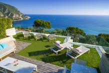 Villa contemporaine avec 5 chambres, vue mer, belle piscine, proche Monaco