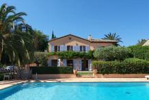 Belle villa avec une vue sur la mer à 2 pas du centre de St Tropez