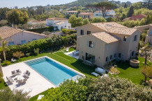 Recently built villa with private swimming pool, 600 m from the center of St Tropez