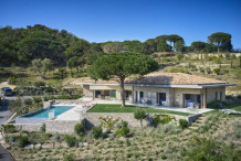 Newly built contemporary property with landscaped 17 000 m garden, 5 min drive to Pampelonne beach
