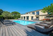 Villa moderne avec piscine, 300 m de la plage