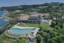 Charming 10 bedroom property with sea view in gated area of Les Parcs de St Tropez