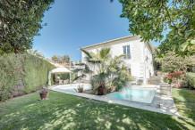 Maison de maître avec piscine et jardin 1200 m, proche centre Cannes
