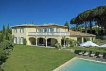 Belle villa avec piscine et 6 chambres proche centre de St Tropez