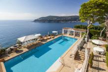 villa pied dans l'eau avec piscine et vue mer au st Jean Cap Ferrat