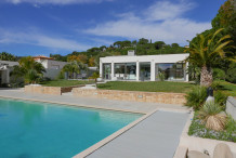 Villa moderne 205 m avec piscine et jardin