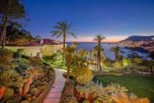 Maison d'exeption avec vue mer panoramique proche Monaco