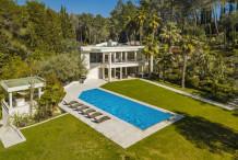 Maison moderne avec 10 chambres et immense jardin de 8500 m