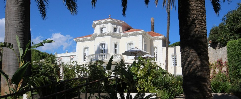FOR RENT - CAP D'ANTIBES WEST SIDE - LUXURY RENOVATED VILLA FOR RENT - PRICE ON REQUEST